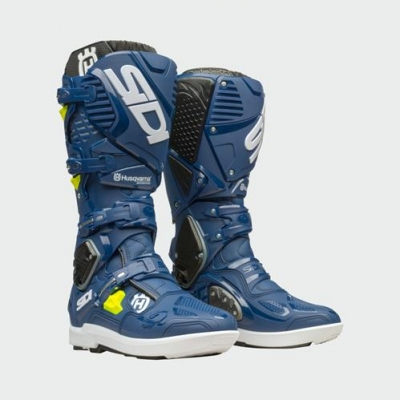 pho_hs_pers_vs_45433_3hs193010x_crossfire_3_srs_boots_front_45_grad__sall__awsg__v1