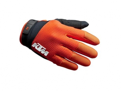 pho_pw_pers_vs_256001_3pw20000370x_pounce_gloves_front__sall__awsg__v1